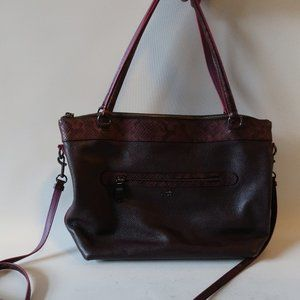 COACH BURGUNDY LEATHER SHOULDER BAG *